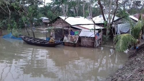 1 Cyclone Bulbul Hit Bangladesh 10 November The Deadly S Left Behind Trail Of Destruction In Wake Destroying Thousands Houses